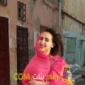 أنا هادية من الكويت 21 سنة عازب(ة) و أبحث عن رجال ل الصداقة